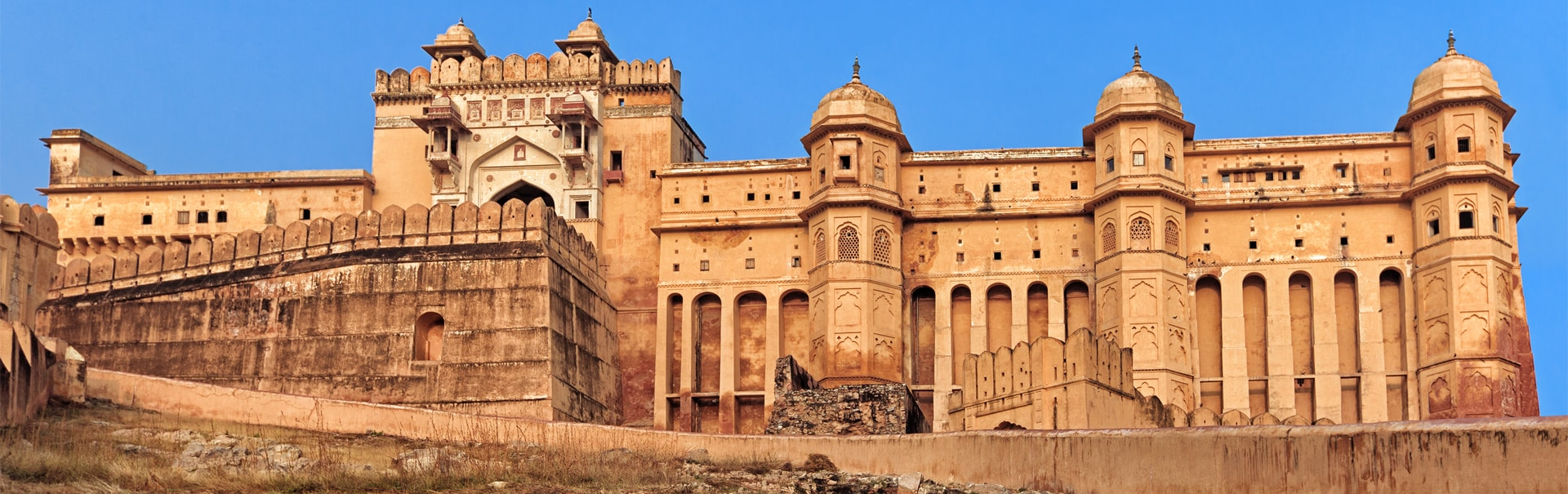 SpiceJet announces Ahmedabad – Udaipur daily flight from November 17
