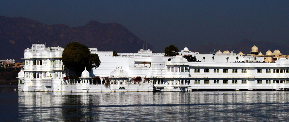 Car Rental in Udaipur